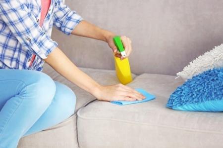 Як доглядати за оббивкою м`яких меблів